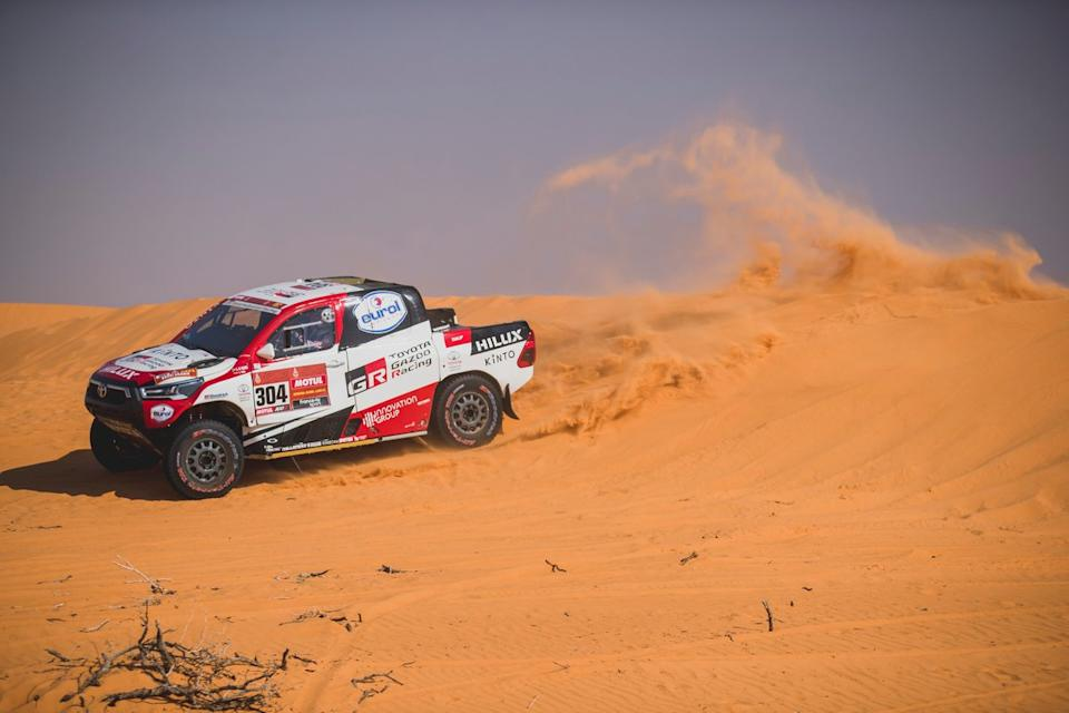"#304 Toyota Gazoo Racing: Giniel De Villiers, Alex Haro<span class=""copyright"">Red Bull Content Pool</span>"