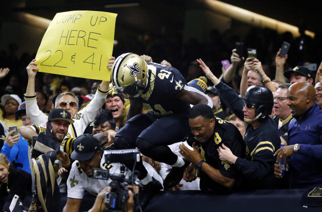 "Running back <a class=""link rapid-noclick-resp"" href=""/nfl/players/30180/"" data-ylk=""slk:Alvin Kamara"">Alvin Kamara</a> should have plenty of incentive to have a big Week 17 as the <a class=""link rapid-noclick-resp"" href=""/nfl/teams/nor/"" data-ylk=""slk:New Orleans Saints"">New Orleans Saints</a> aim to win the NFC South title. (AP Photo/Butch Dill)"