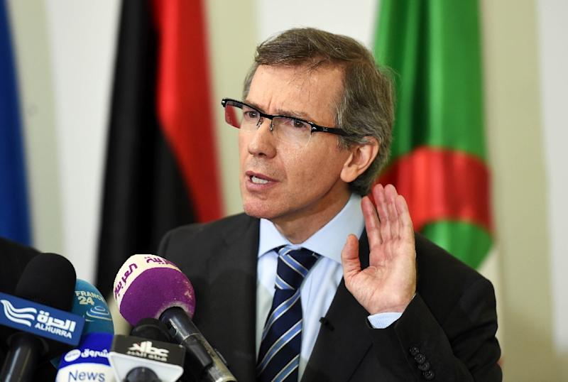 United Nations Special Representative and Head of the United Nations Support Mission in Libya, Bernardino Leon, gestures during a press conference in the Algerian capital Algiers on March 11, 2015 (AFP Photo/Farouk Batiche)