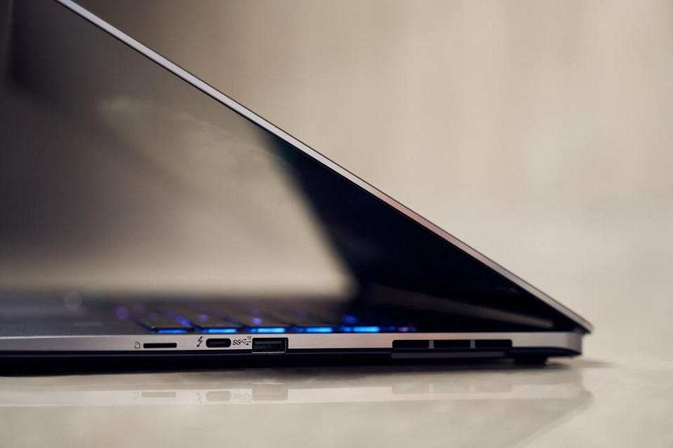 Despite having a larger screen size, the laptop isn't as bulky as standard laptops thanks to its razor-thin bezels. ― Picture courtesy of MSI