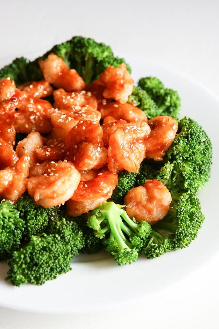 """<p>There's more to life than chicken.</p><p>Get the recipe from <a href=""""https://www.delish.com/cooking/recipe-ideas/recipes/a51932/general-tsos-shrimp-and-broccoli/"""" rel=""""nofollow noopener"""" target=""""_blank"""" data-ylk=""""slk:Delish"""" class=""""link rapid-noclick-resp"""">Delish</a>.</p>"""