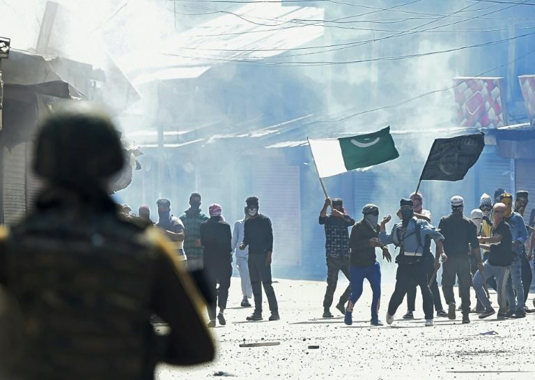 A new UN report comes after months of deadly clashes along the border that divides Kashmir into zones of Indian and Pakistani control