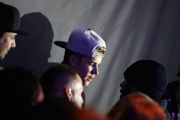 Justin Bieber at Maxim's Super Bowl party -- Getty Images