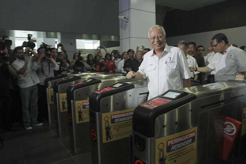 Najib attends the launch of the Kelana Jaya and Ampang LRT Line Extension project at the Putra Heights LRT station in Subang Jaya June 30, 2016. ― Picture by Yusof Mat Isa