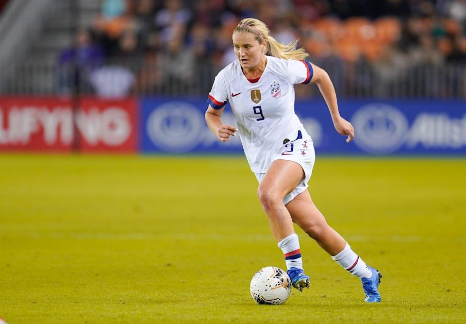 """<p><strong>Sport:</strong> Soccer<br> <strong>Country:</strong> USA</p> <p>The entire USWNT could be on this list after the team's <a href=""""https://www.popsugar.com/fitness/USWNT-Wins-2019-Women-World-Cup-46349330"""" class=""""link rapid-noclick-resp"""" rel=""""nofollow noopener"""" target=""""_blank"""" data-ylk=""""slk:inspiring World Cup win"""">inspiring World Cup win</a> in 2019, but Horan in particular will be coming into the Olympics <a href=""""https://www.popsugar.com/fitness/lindsey-horan-on-world-cup-dissatisfaction-olympic-goals-47258282"""" class=""""link rapid-noclick-resp"""" rel=""""nofollow noopener"""" target=""""_blank"""" data-ylk=""""slk:with something to prove"""">with something to prove</a>. Considered one of the best midfielders in the world, Horan was nonetheless left off the starting lineup for most of the World Cup thanks to the US's deep pool of talent at midfield. She has already been playing more under new USWNT head coach Vlatko Andonovski and netted her first pro <a href=""""https://www.popsugar.com/fitness/What-Hat-Trick-Soccer-46214179"""" class=""""link rapid-noclick-resp"""" rel=""""nofollow noopener"""" target=""""_blank"""" data-ylk=""""slk:hat trick"""">hat trick</a> during the <a href=""""https://www.popsugar.com/fitness/us-women-soccer-team-qualifies-for-2020-olympics-in-tokyo-47192917"""" class=""""link rapid-noclick-resp"""" rel=""""nofollow noopener"""" target=""""_blank"""" data-ylk=""""slk:Olympic qualifying tournament"""">Olympic qualifying tournament</a>, so we're expecting her combination of ambition and talent to lead to big results in Tokyo. (FYI: the USWNT have already secured their Olympic spot.)</p>"""