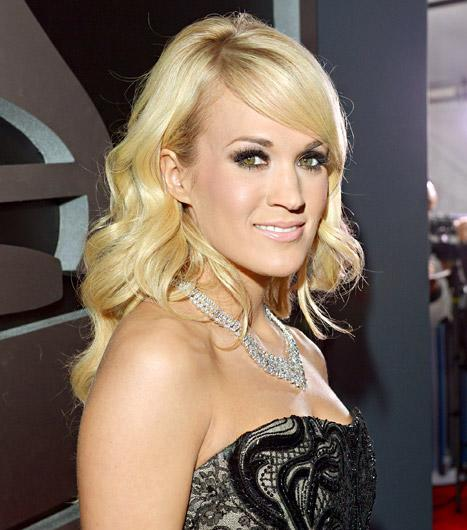 """Carrie Underwood Tweets Rage Over Passing of Ag Gag Bill, State Rep Tells Her to """"Stick to Singing"""""""