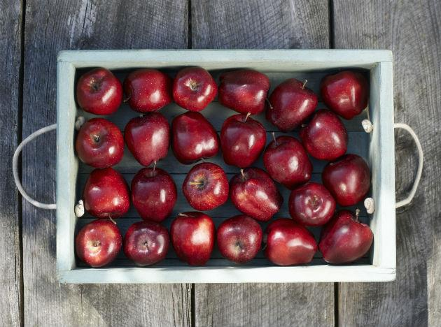 <b>Apples</b>: Crispy, crunchy, sweet and delicious! Apples are rich in a number of minerals and pectin, which is a kind of soluble fibre. Pectin helps in maintaining digestive health and in reducing cholesterol. Two apples a day are recommended to derive maximum benefits. Experts maintain that while eating these super foods is extremely beneficial, it's important to maintain a balanced diet. So ensure you are getting enough of all food groups. Here's to eating healthy this year! Cheers! Join our diet discussions on facebook. Like us!