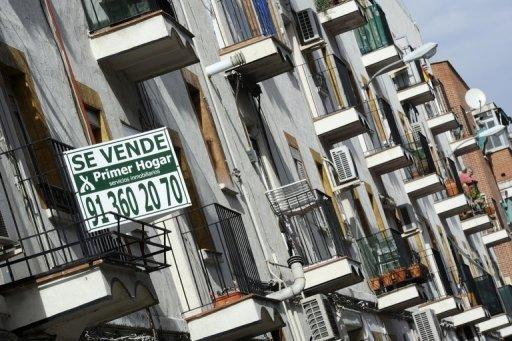 Spain considers residency for foreign home-buyers