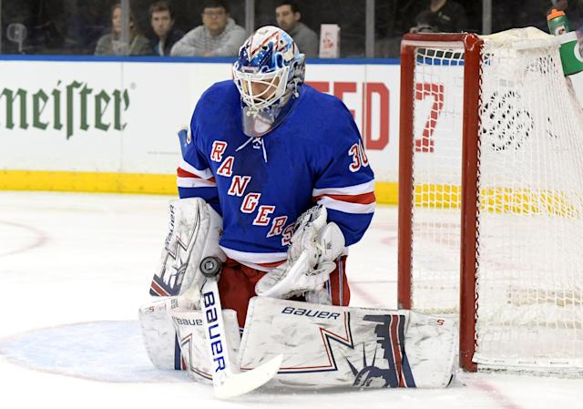 "<a class=""link rapid-noclick-resp"" href=""/nhl/players/2645/"" data-ylk=""slk:Henrik Lundqvist"">Henrik Lundqvist</a> is having a rough season. (AP Photo/ Bill Kostroun)"