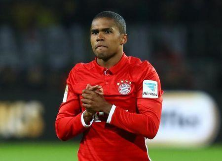 Football Soccer - Borussia Dortmund v FC Bayern Munich - German Bundesliga - Signal Iduna Park, Dortmund, Germany - 19/11/16 - Munich's Douglas Costa reacts during the match. REUTERS/Kai Pfaffenbach