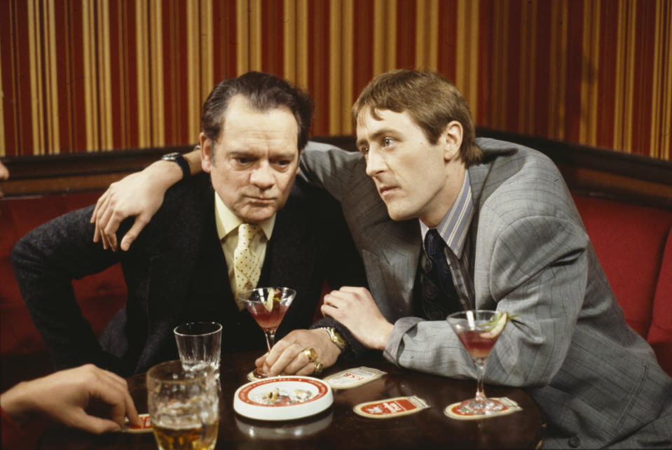 Nicholas Lyndhurst (right) and David Jason in a pub scene from episode 'Little Problems' of the BBC Television sitcom 'Only Fools and Horses', circa 1989. (Photo by Don Smith/Radio Times/Getty Images)
