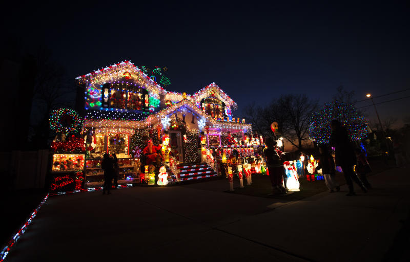 Holiday lights are seen at a home in the Queens borough of New York December 13, 2012. REUTERS/Shannon Stapleton (UNITED STATES - Tags: SOCIETY)