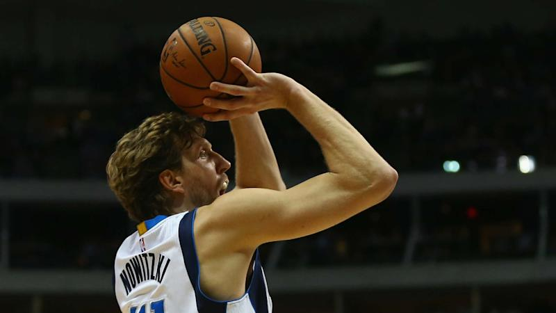 Dirk Nowitzki plans to return to Mavericks next season