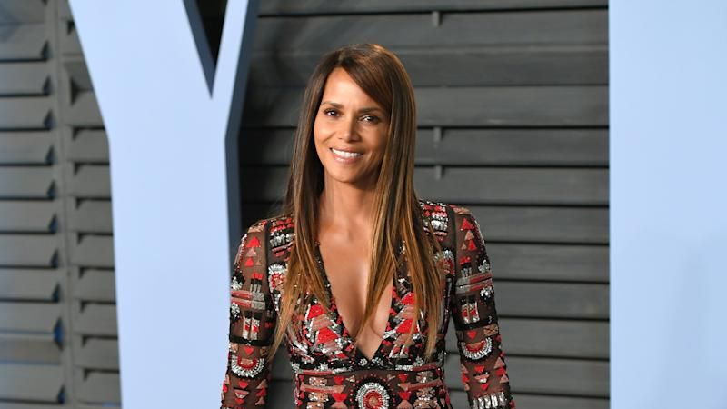 Halle Berry skateboards in swimwear to celebrate 54th birthday - Yahoo Canada Shine On