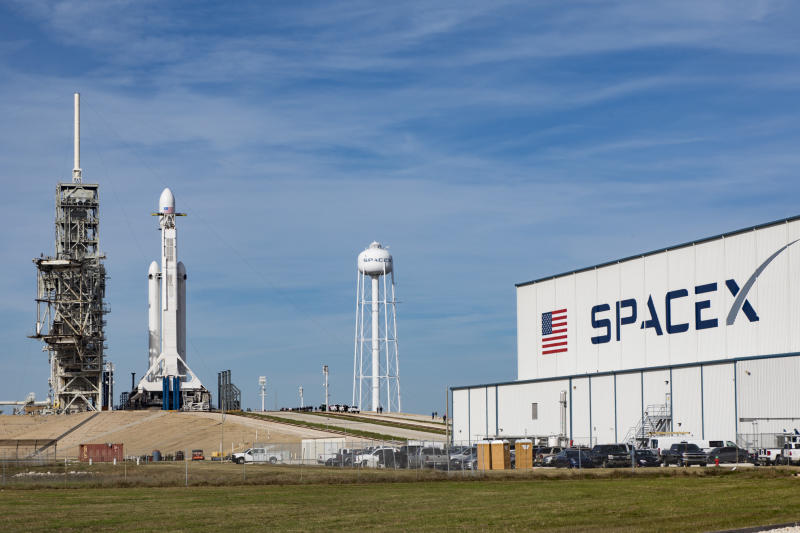spacex-falcon-heavy-18