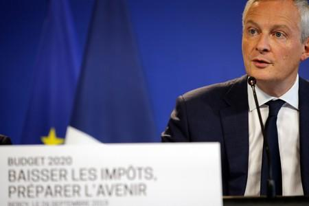 France urges EU tax on airplane and ship fuel