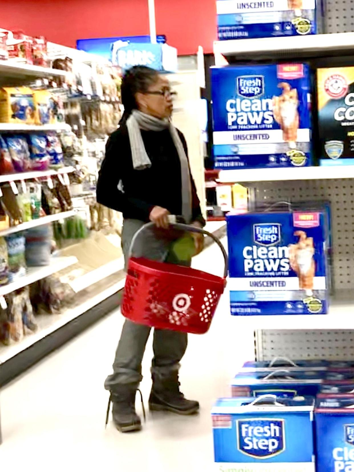 Doria quietly browsed the aisles [Photo: SWNS]