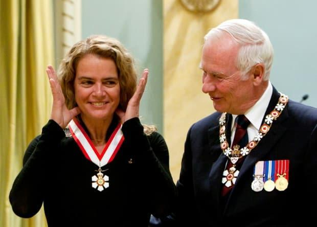 Former GG David Johnson first named Julie Payette an Officer of the Order of Canada in 2010 at Rideau Hall.  (Christopher Pike/Reuters - image credit)