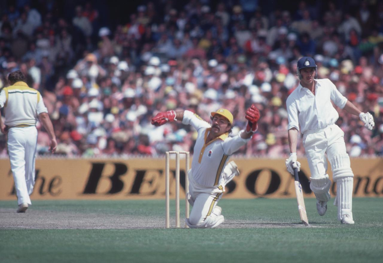 Australian wicketkeeper Rod Marsh with Derek Randall (right) of England during a one-day international in Melbourne, January 1980. (Photo by Adrian Murrell/Getty Images)