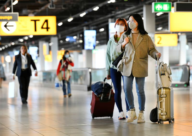 Record Dutch COVID-19 cases prompt U-turn on face masks