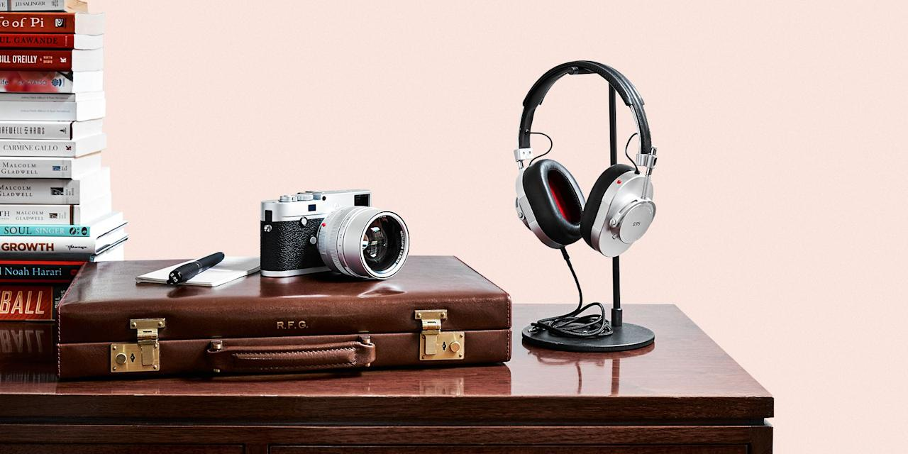<p>This gift guide will help you find the perfect gift for your favorite shutterbug this holiday season. From the latest and greatest cameras, all the way to cool - yet essential - accessories and software, we've rounded up our favorite gear for beginning and advanced photographers of the year. </p>