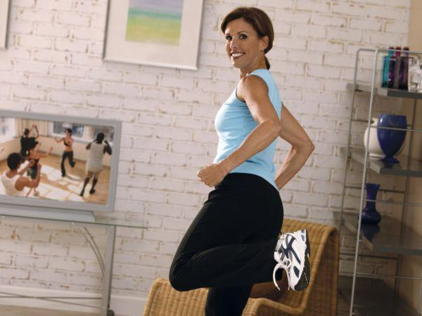 <p>YouTube has several exercise videos to choose from, and several TV channels offer fitness programmes. Choose from a traditional or step aerobic workout, belly dancing, yoga and other formats. These programmes have a host who explains the exercises and how to do them. Alternatively, invest in a fitness trainer who will design an indoor workout for you.</p>