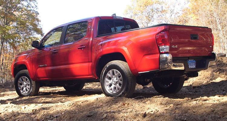 Redesigned 2016 Toyota Tacoma Doesn't Feel All New