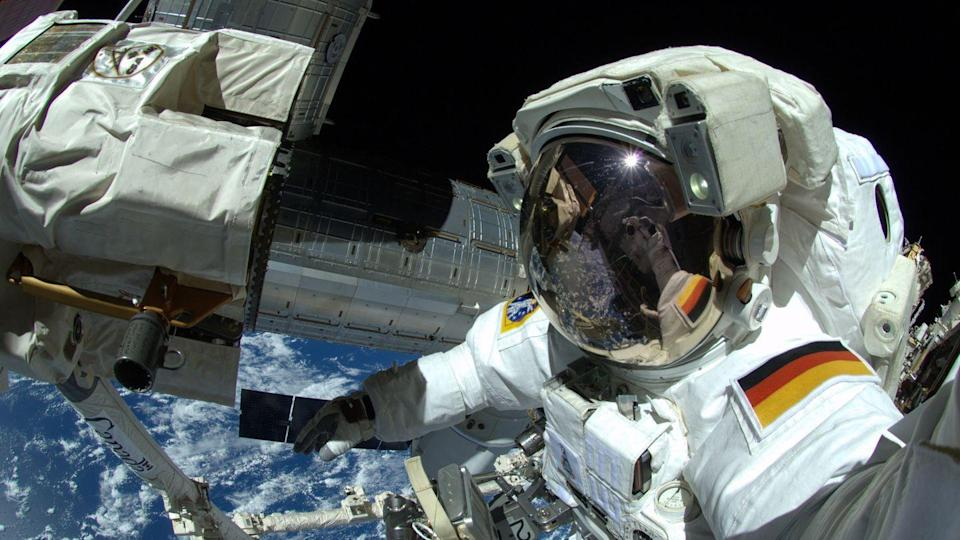Der deutsche Astronaut Alexander Gerst arbeitet am an der Internationalen Raumstation ISS. (Archivbild)