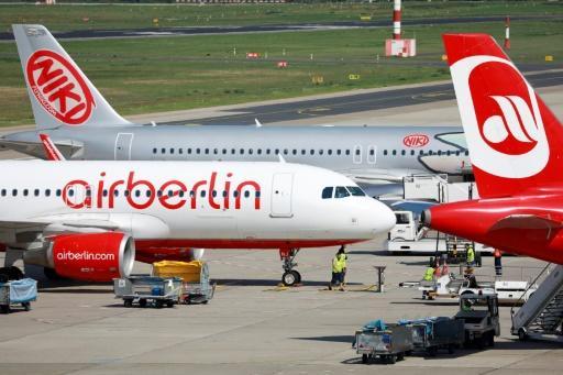 Air Berlin pilots call in sick