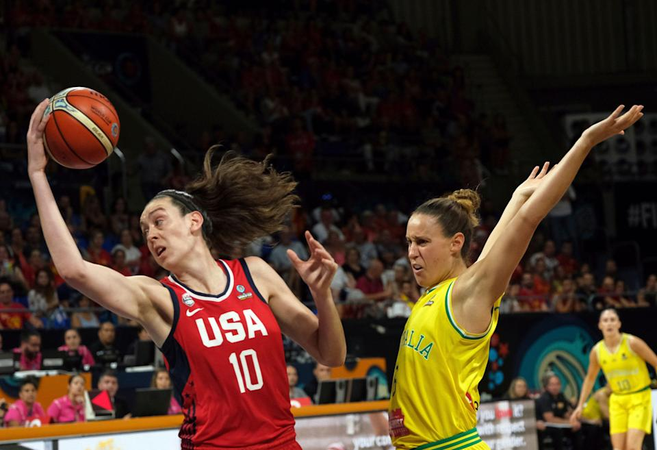 Breanna Stewart of the United States, left, jumps to shoot as Steph Talbot of Australia tries to stop her during the Women's basketball World Cup final match between Australia and the U.S.A. in Tenerife, Spain, Sunday Sept. 30, 2018. (AP Photo/Andres Gutierrez)