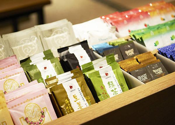The free amenities include bath salts, tea, men's products, and more.