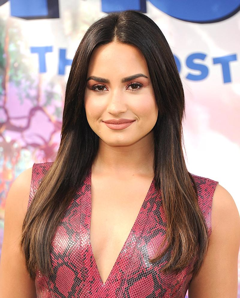 images Demi's bizarre beauty secret