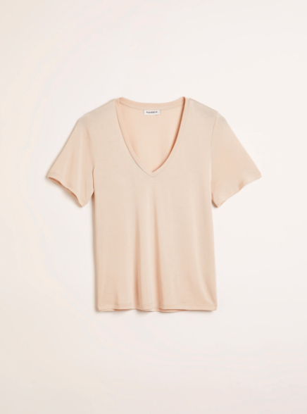 """Get some fresh colors in the mix with this oatmeal tee from Frank & Oak. It's mostly made of tencel modal so you know it'll live up it it's """"supersoft"""" name. $40, Frank & Oak. <a href=""""https://www.frankandoak.com/product/2120213-670/the-supersoft-v-neck-tee-in-beige"""" rel=""""nofollow noopener"""" target=""""_blank"""" data-ylk=""""slk:Get it now!"""" class=""""link rapid-noclick-resp"""">Get it now!</a>"""