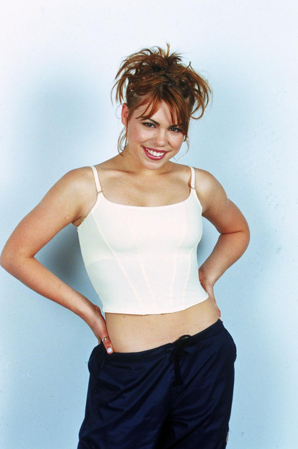 Teenage pop star Billie Piper, circa 1998. (Photo by Dave Hogan/Hulton Archive/Getty Images)