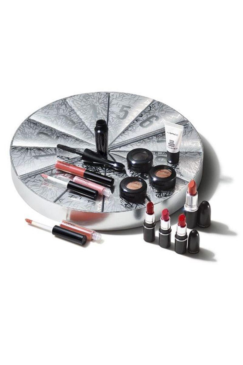 "<p><strong>Boom Boom Wow Mini Advent Calendar</strong></p><p>maccosmetics.com</p><p><strong>$99.00</strong></p><p><a href=""https://go.redirectingat.com?id=74968X1596630&url=https%3A%2F%2Fwww.maccosmetics.com%2Fproduct%2F13851%2F82721%2Fproducts%2Fmakeup%2Flips%2Flip-palettes-kits%2Fboom-boom-wow-mini-advent-calendar-163-value&sref=https%3A%2F%2Fwww.elle.com%2Fbeauty%2Fg34671473%2Fblack-friday-cyber-monday-beauty-deals-2020%2F"" rel=""nofollow noopener"" target=""_blank"" data-ylk=""slk:Shop Now"" class=""link rapid-noclick-resp"">Shop Now</a></p><p>Starting November 23rd you can get 25% off your entire purchase at <a href=""https://www.maccosmetics.com/"" rel=""nofollow noopener"" target=""_blank"" data-ylk=""slk:M.A.C Cosmetics"" class=""link rapid-noclick-resp"">M.A.C Cosmetics</a>, plus surprises being announced daily. On the 26th and 27th you can also customize a beauty box for $49.</p>"