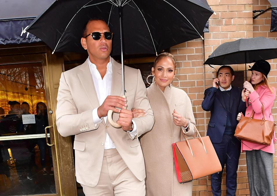 "<h1 class=""title"">Jennifer Lopez and Alex Rodriguez</h1><cite class=""credit"">James Devaney/Getty Images</cite>"