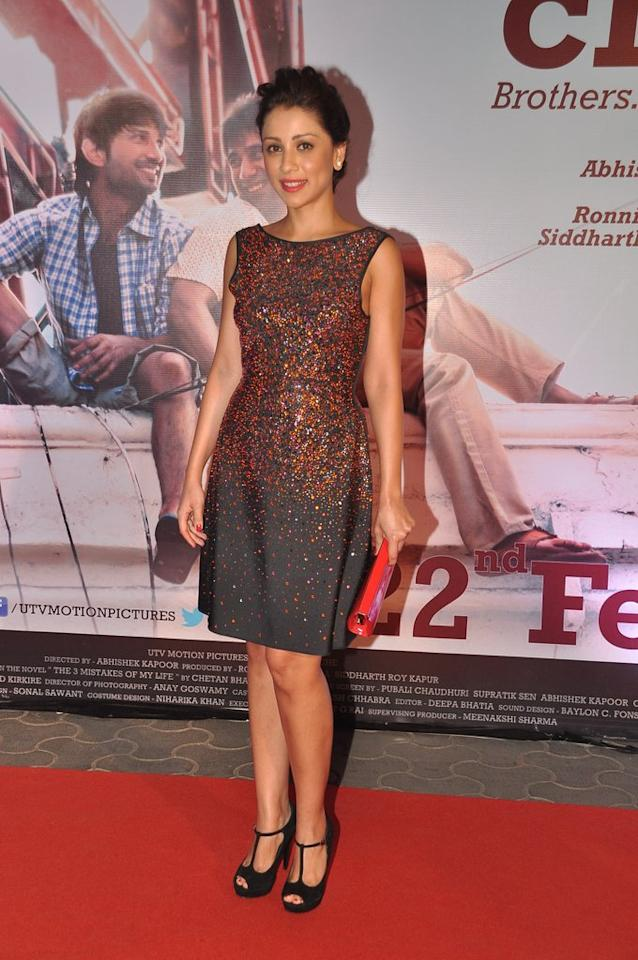 Kai Po Che star Amrita Puri certainly glitters in this sequined number.