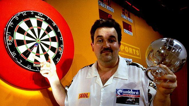Phil 'The Power' Taylor im Jahr 1999