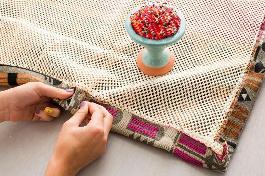 this 30 diy rug will transform your living room