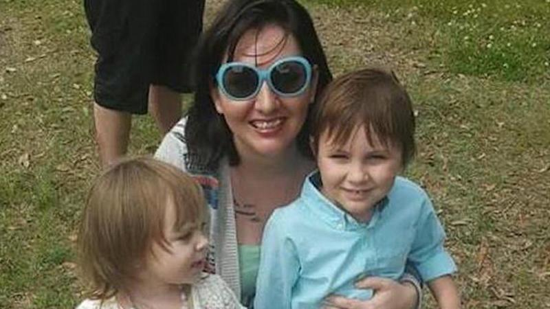 Teaching Child To Wrangle Not Reject >> Florida Mom And Her 2 Children Die After Their Car Hits Alligator On