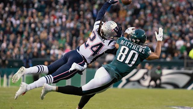 Patriots offensive report card vs Eagles: Defense carries offense in win