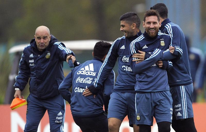 Argentina Chile Seek Advantage In S America World Cup Qualifying
