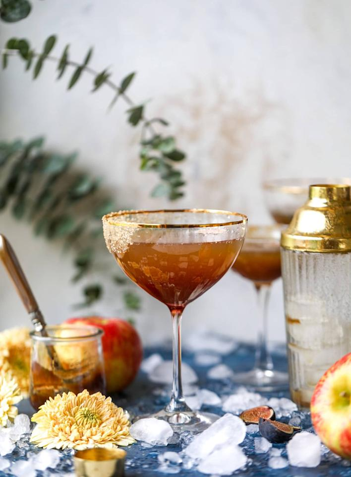 "<p><b>Get the recipe:</b> <a href=""https://www.howsweeteats.com/2018/10/apple-butter-cocktail/"" target=""_blank"" class=""ga-track"" data-ga-category=""Related"" data-ga-label=""https://www.howsweeteats.com/2018/10/apple-butter-cocktail/"" data-ga-action=""In-Line Links"">Autumn apple bourbon fizz</a> </p>"