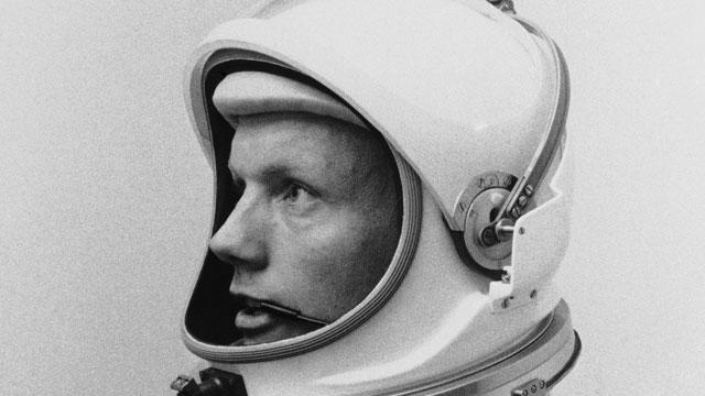 Neil Armstrong Remembered as Hero, an Image He Shunned
