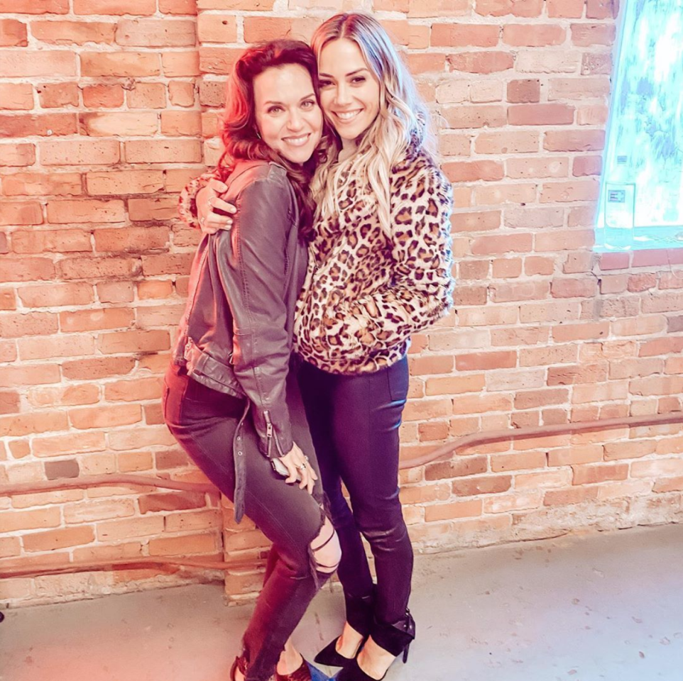 """Hilarie Burton and Jana Kramer were together again as the latter shared, """"When Peyton and Alex meet for the first time at Tric.....it's magic ;)."""""""