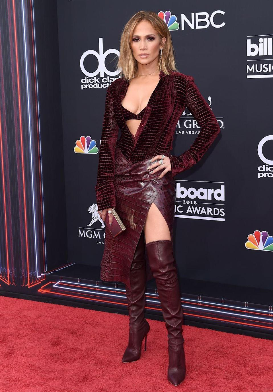 <p>All burgundy everything - by Roberto Cavalli - at the awards in Las Vegas.</p>