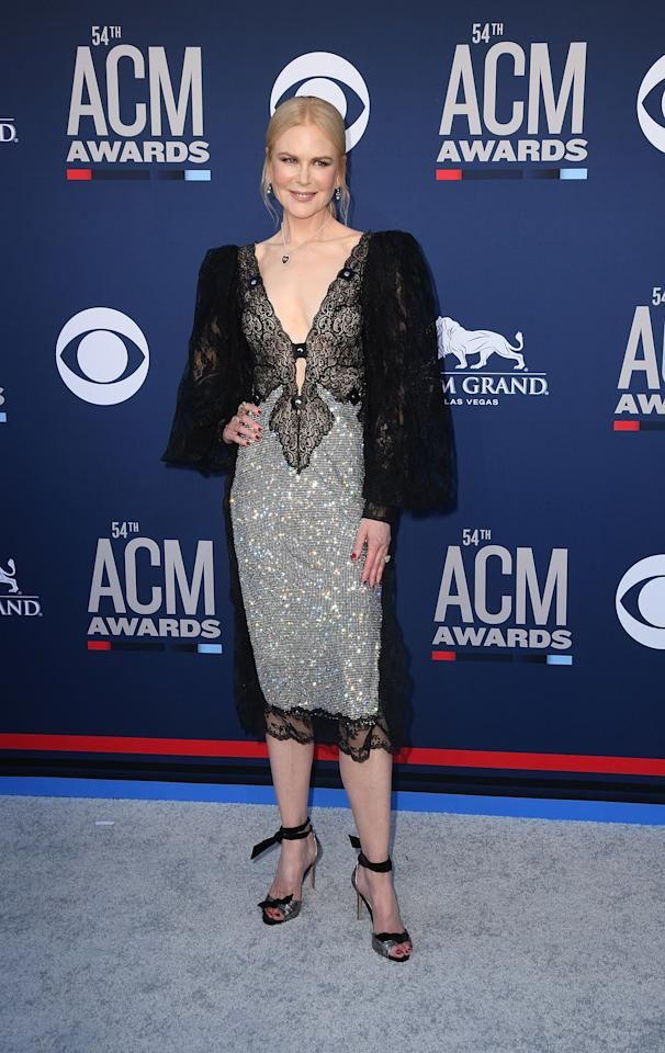 <p>Nicole Kidman, 51, graced the red carpet in a high fashion Christopher Kane dress for the 2019 Country Music Awards. <em>[Photo: PA]</em> </p>