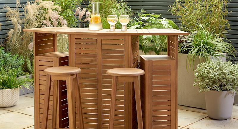 Argos is selling an outdoor bar for under £250. (Argos)