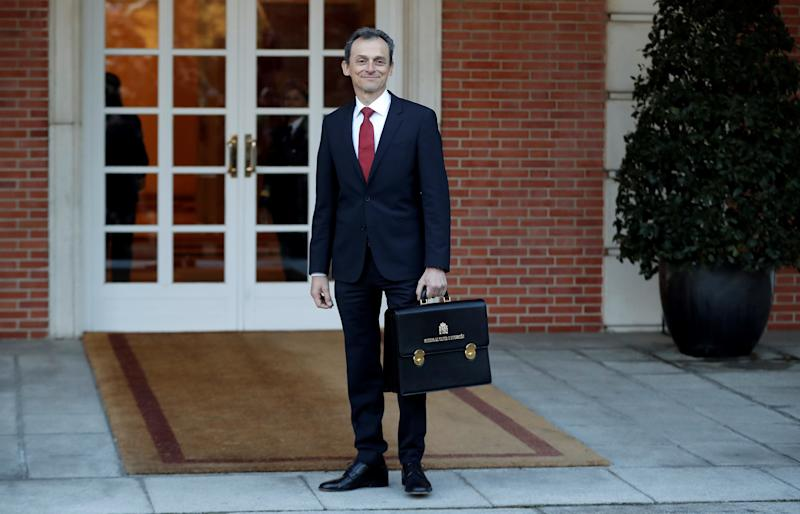 Pedro Duque pierde influencia y poder en el Ministerio que ahora se reduce a Ciencia e Innovación (Photo by Burak Akbulut/Anadolu Agency via Getty Images)