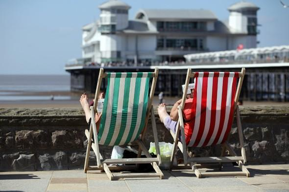 Summer to arrive rather than spring with temperatures set to reach 18C next week